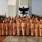 Seragam Dharma Wanita